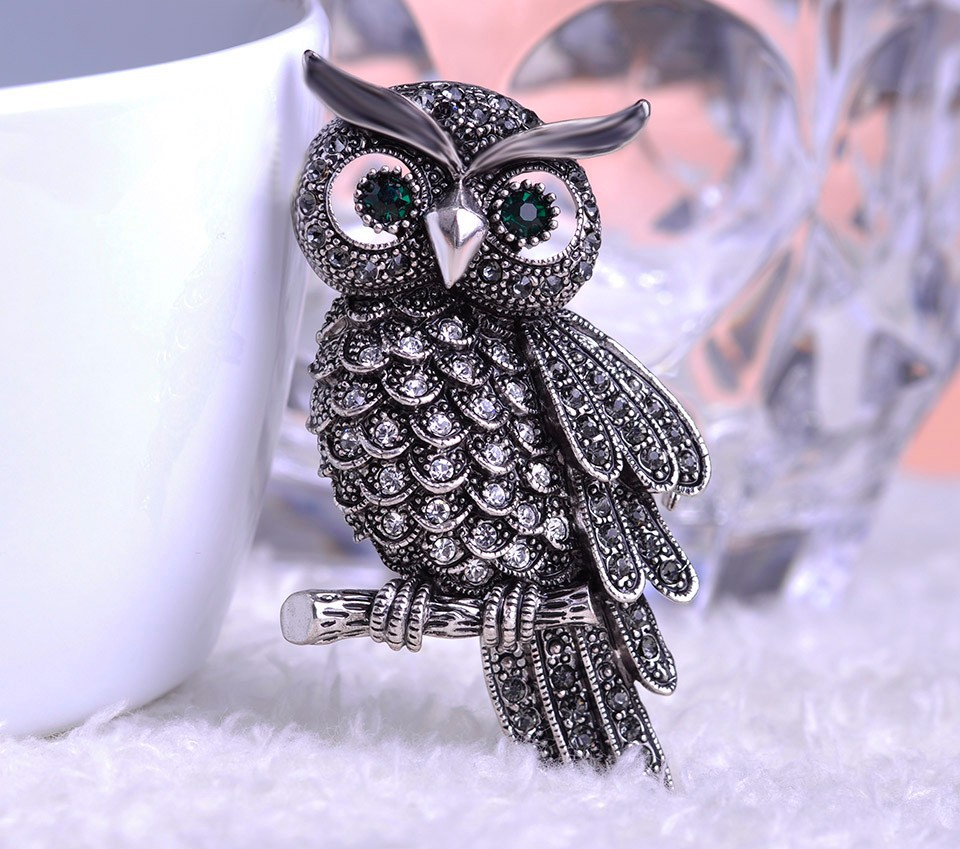 black-vintage-owl-brooch-with-grey-and-black-rhinestones