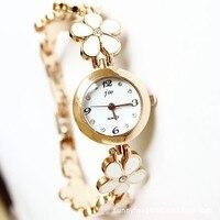 царственный JW и корейский мода марка часы небольшой свежий ромашки шесть маленьких розы золотой браслет часы эпоксидной