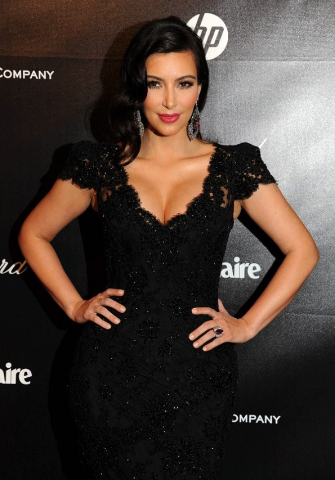 Kim Kardashian 2012 Golden Globe Awards Cap Sleeves V Neck Lace1 Mermaid Celebrity Dress