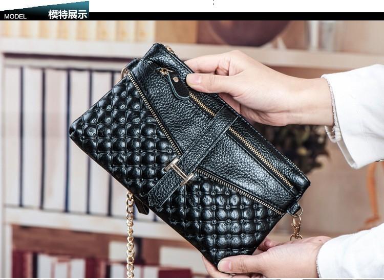 woman messenger bag 3