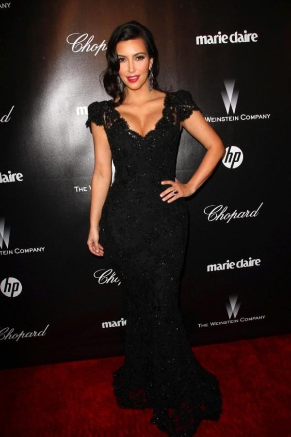 Kim Kardashian 2012 Golden Globe Awards Cap Sleeves V Neck Lace Mermaid Celebrity Dress