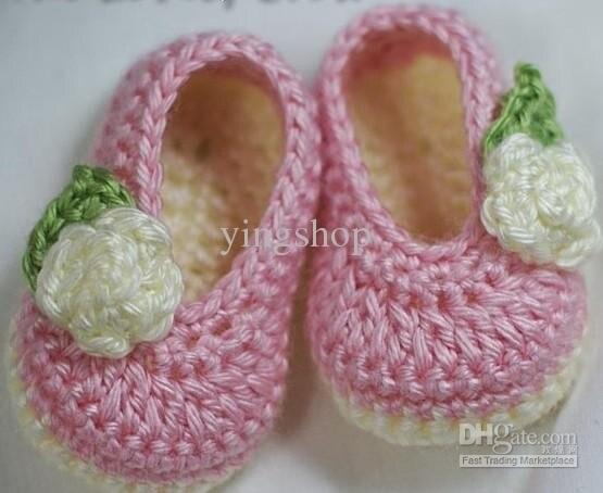 Small pink flowers handmade crochet