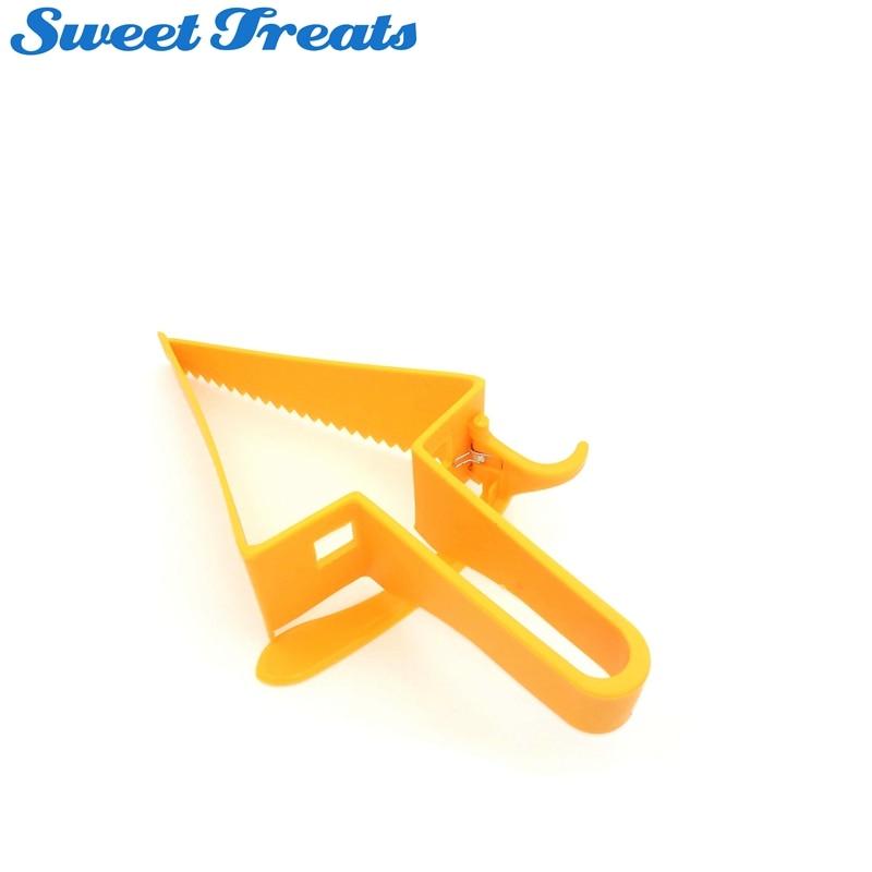 Sweettreats Cutter tort de plastic - Bucătărie, sală de mese și bar