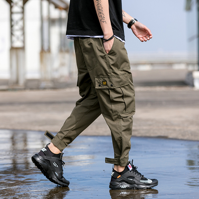 2018 new Japanese men's fashion feet leisure trouser Hip Hop Cargo Pants Streetwear Men Harem Pant Multi Pocket Camouf Trousers 1