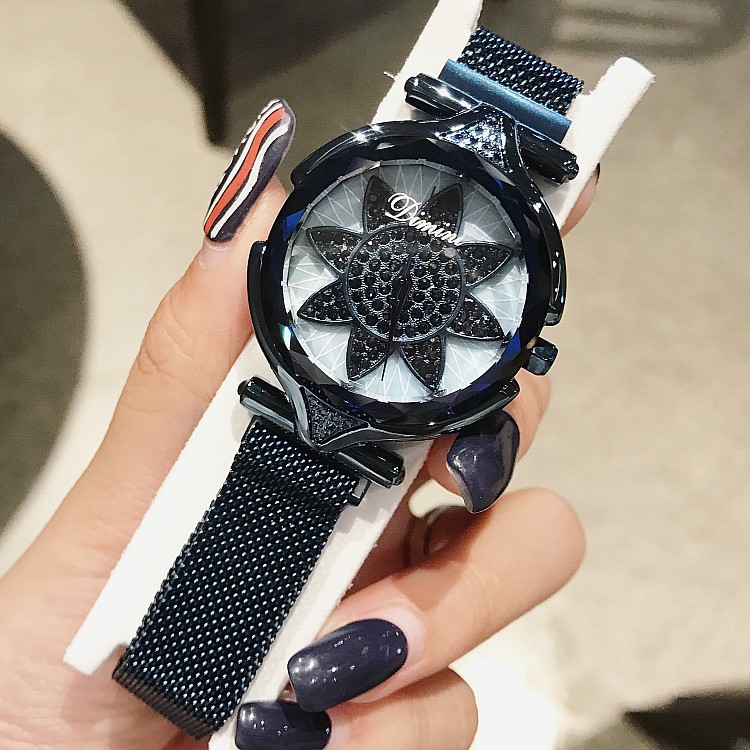 New Big Dial Fashion Watches Office Lady Beautiful Clocks Flower Shape Hours Light Luxury Style Women Wristwatches latest style