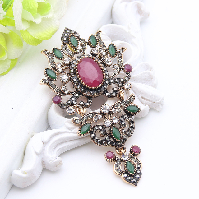 Turkish Antique Women Water Drop Broches Gold Color Crystal Floral Design  High Quality Brooches Ladies Engagement 31535b16bd88