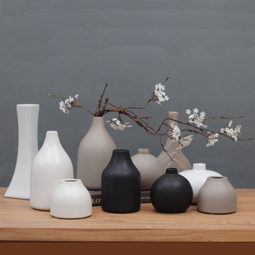 Classic Black / White Ceramic Vase Chinese Arts And Crafts Decor Contracted Porcelain Flower Vase Creative Gift Home Decor