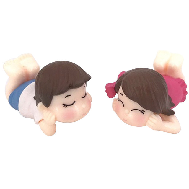 2Pcs Cute Lovers Boy Girl Lying on Front Miniature Garden Bonsai Dollhouse Decor