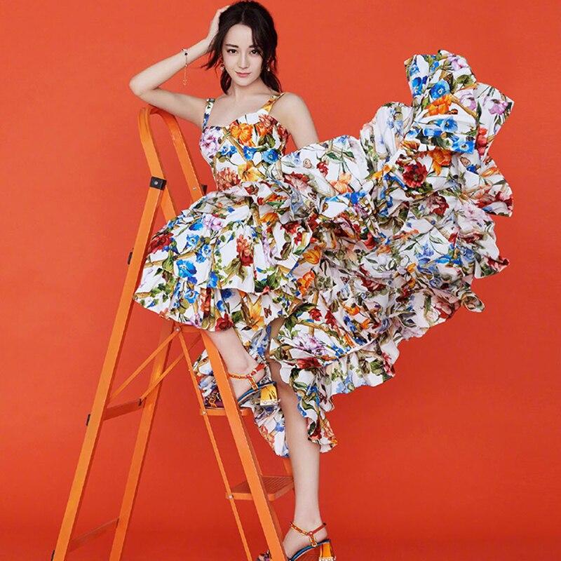 Высокое качество 2018 новые модные летние взлетно-посадочной полосы платье Для женщин Спагетти ремень с цветочным принтом каскадные плиссир...