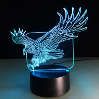 WOW מדהים Flying ביג צורת נשר הוק 3D צבעוני לילה אור מנורת שולחן למשרד מלון בר חדר שינה