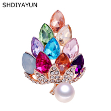 SHDIYAYUN New Pearl Brooch Natural Freshwater Colorized Rinestone Grape Simple Pins for Women Jewelry Gift
