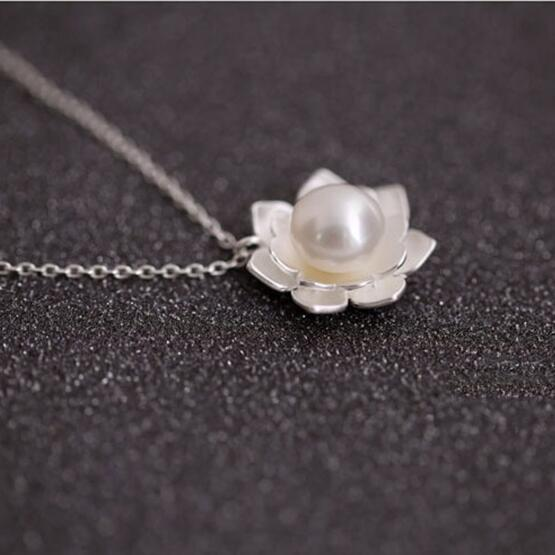 925 Sterling Silver Jewelry Imitation Pearl Lotus Flower Necklaces Hot Sale Pure Silver Jewelry for Women