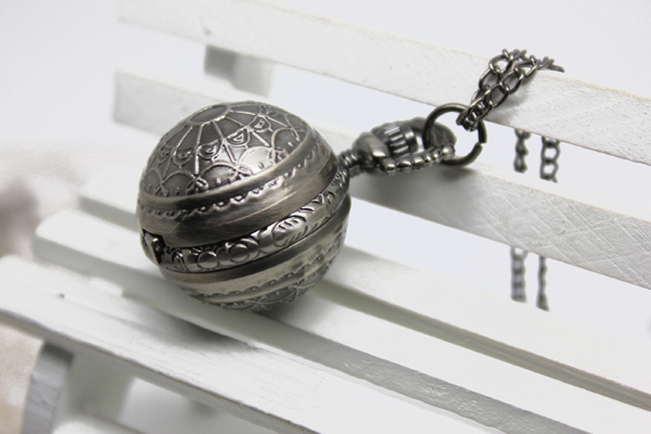 (3081B) 12pcs/lot Vintage Antique GUN BLACK Spider Web Sphere Ball Quart Watch,