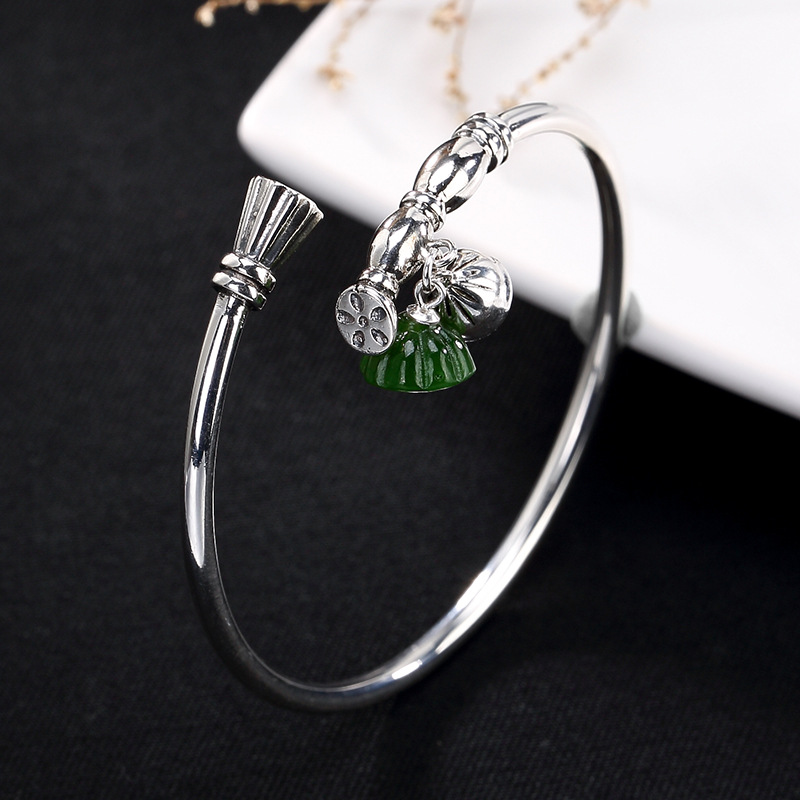 S925 pure silver natural and Tian Biyu lotus lotus seed retro opens the high-end silver female Bracelet wholesale. s925 pure silver personality female models new beeswax