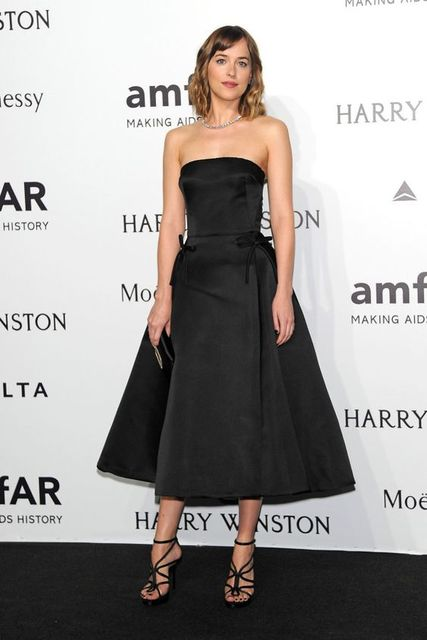 2017 Sexy Inspired by Dakota Johnson Celebrity Dress Prom Red Carpet Dress  A-line Black Strapless Tea-length Prom Evening Dress 28c0b5249831