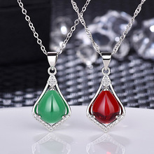 White Gold Green Carnelian Pendant Necklace for Women Triangle Pendant Fashion Jewelry Simple Pendant charming coin triangle pendant necklace for women