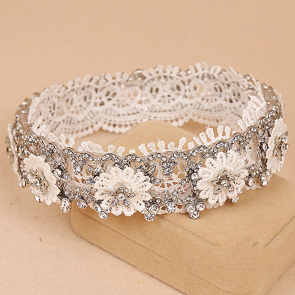 The new summer style hair jewelry white lace crowns wedding accessories bridal crown princess tiara round