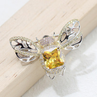 Personality yellow square stone bee brooch men and women with the same animal pin collar anti light accessories