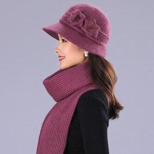 Image 1 - BING YUAN HAO XUAN Ontwerp Dubbele Laag Winter Hoeden voor Vrouwen Konijnenbont Hoed Warme Gebreide Muts en Sjaal Grote bloem Cap