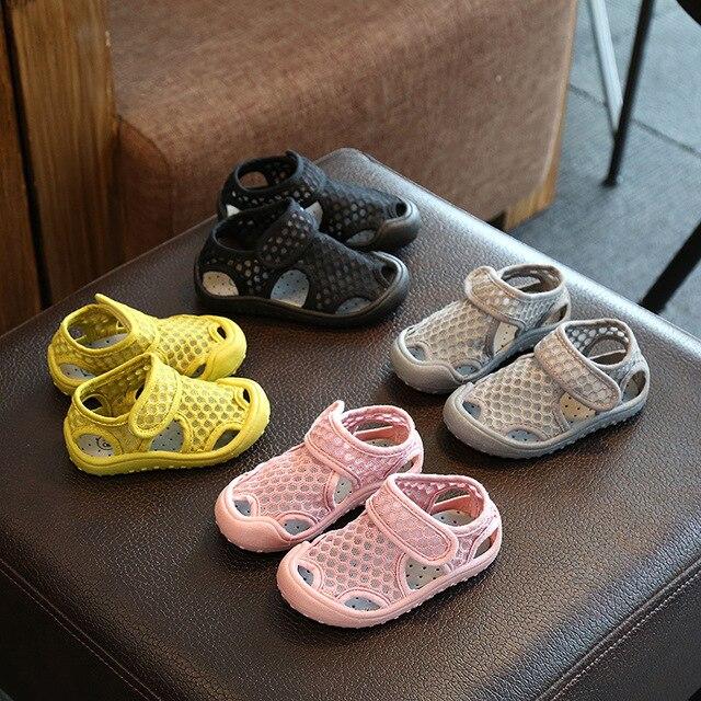 Bé Cô Gái Dép Trẻ Em Cut-outs Giày Bãi Biển Trẻ Em Dép Thể Thao 2019 Thời Trang Mùa Hè Bé Phẳng Giày Trẻ Em Bình Thường giày