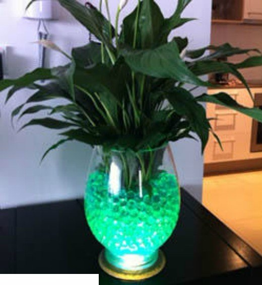 Top Selling Green Crystal Soil Water Beads Glass Vase Filler For