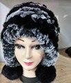 Sólido de las mujeres Trenza Sombreros de Invierno de pelo de conejo Colgando pompones de piel Cálido Multicolort sombrero con orejas