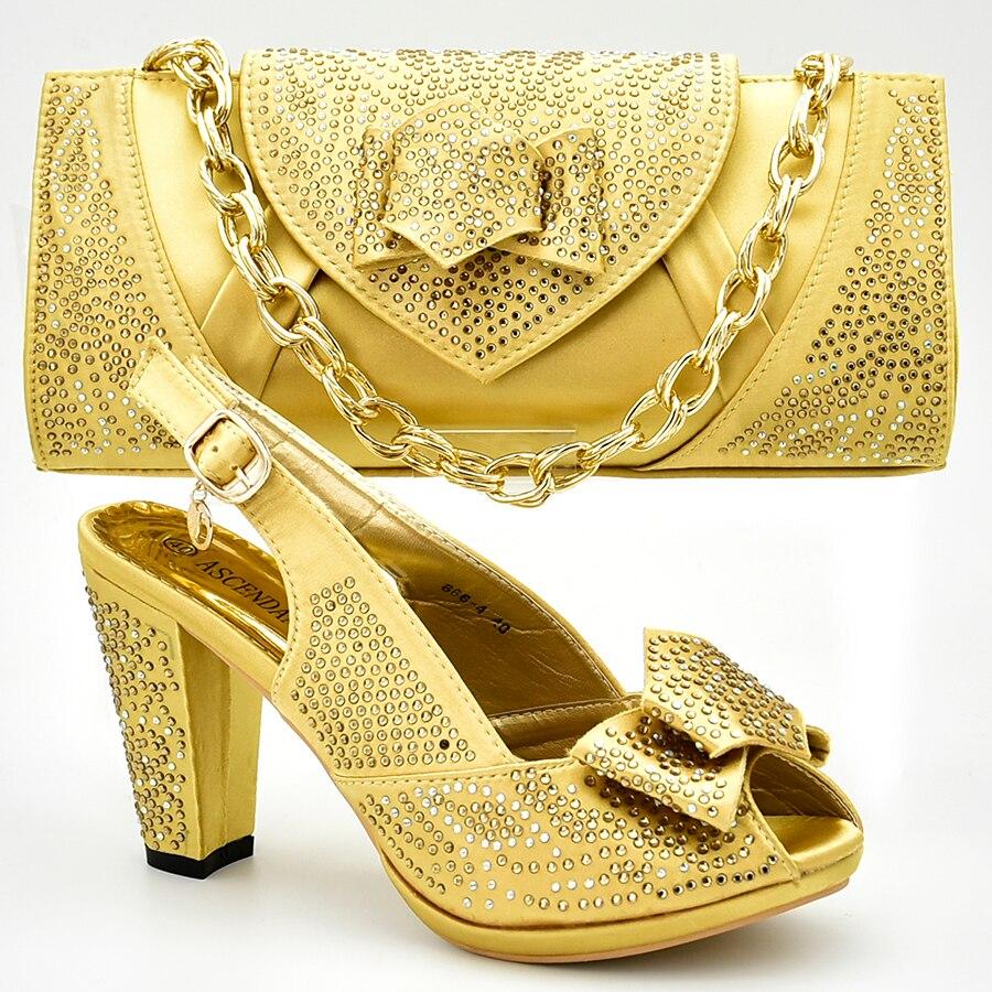 Nouvelle chaussure et sac pour la fête nigériane chaussures italiennes et sacs pour assortir les chaussures avec un ensemble de sac décoré avec des pompes d'été en strass