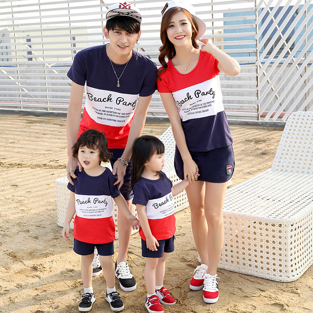 1abe6f736ed0 2018 Korean new family wear couples Clothes summer seaside beach t-shirt  mother father baby
