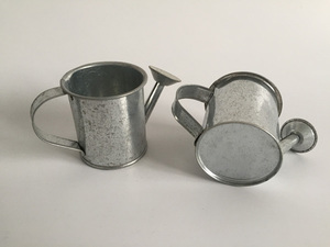 Image 3 - 30pcs/lot D5.5XH5.5CM Silvery Mini watering cans wedding favors bucket tin Metal Favors Decorative watering cans