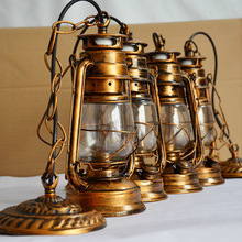 Europa Retro clásico keroseno antiguo Color bronce linterna de emergencia lámpara de Camping al aire libre lámpara de parafina E27 lámpara Base Luz