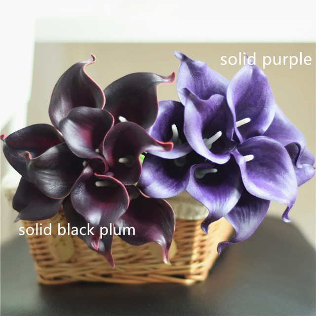 A Bridesmaid Bouquet Sure To Stand Out Designed With 14 Soft Touch Black Calla Lilies From The Real Collection Handle Is Wred