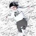 Nuevo 2017 fashion baby boy ropa de algodón letras negras blanco de manga larga de la camiseta + pantalones ropa de bebé de 2 unidades de ropa bebé