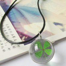 2018 Hot Fashion Kristal Bola Kaca Clover Kalung Panjang Strip Kulit Rantai Liontin Kalung Wanita Lucky Wish Liontin Perhiasan(China)