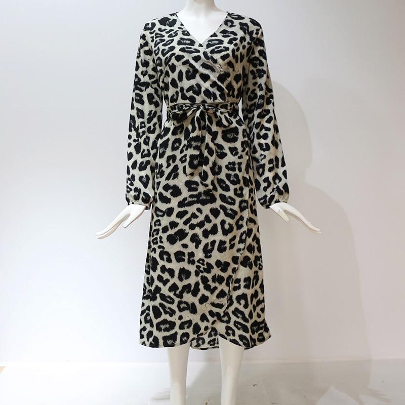 Aachoae Leopard Dress 2020 Women Vintage Long Beach Dress Loose Long Sleeve V-neck A-line Sexy Party Dress Vestidos de fiesta 5