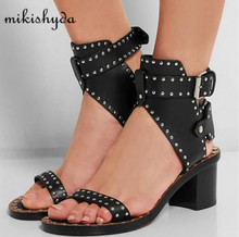 цена на Fashion Design Jaeryn Studded Leather Sandals Rivets Combat Ankle Booties Chunky Heels Open Toe Sexy Summer Shoes Woman Sandals