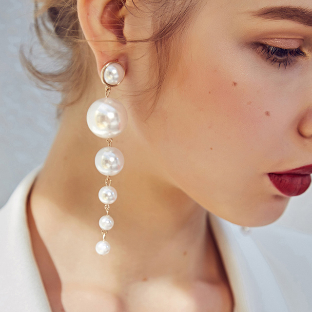 SRCOI Trendy Elegant Created Big Simulated Pearl Long Earrings Pearls String Statement Dangle Earrings For Wedding Party Gift 3