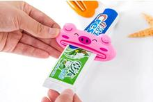 Bathroom accessories Brown bear, panda, frog, pink pig shaped Toothpaste squeezer appliance  4  Style is random