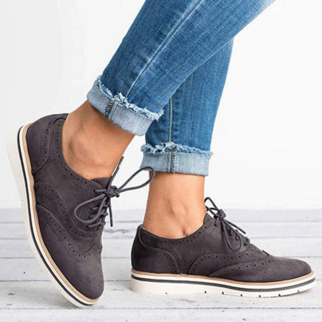 Women Oxfords Cut-Outs Lace Up Brogue Shoes Flat Platform  England Ladies Non-slip Shoes Breathable Casual Female Low Footwear