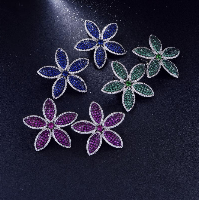 Wholesale Fashion Jewelry CZ Flower Shaped Stud Earrings for Women Lovely Studs For Lady High Quality Wedding Jewelry