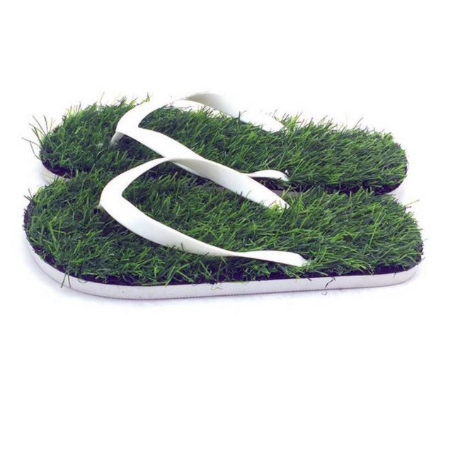 Massage græsplæne flip flops indendørs