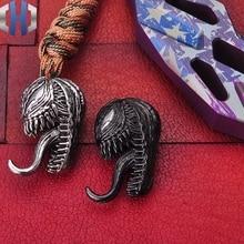 金属毒ナイフペンダントポータブルおもちゃキーホルダー装飾装飾品装飾品ペンダント EDC 屋外
