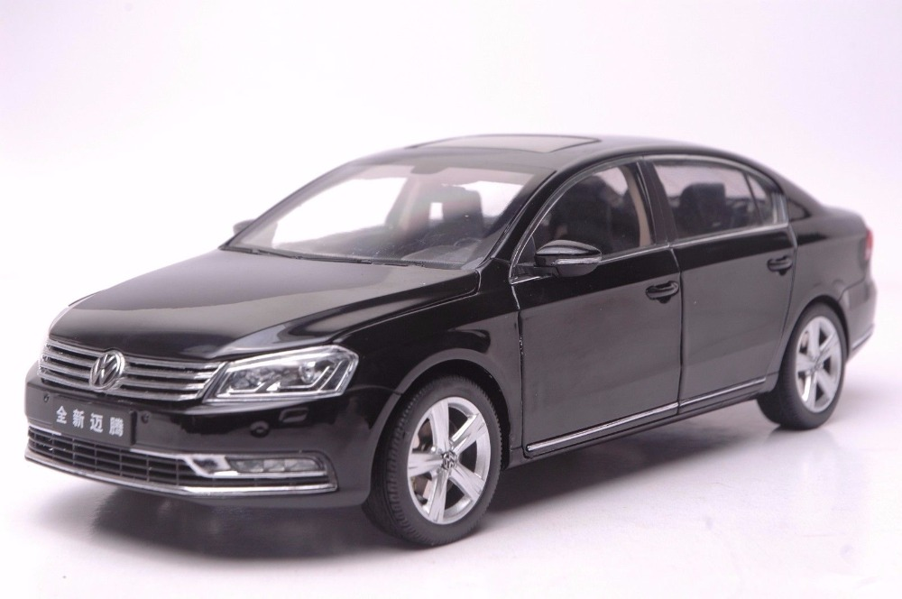 1:18 Diecast Model for Volkswagen VW Magotan B7L SUV Alloy Toy Car Miniature Collection Gifts Passat B7 1 18 vw volkswagen teramont suv diecast metal suv car model toy gift hobby collection silver