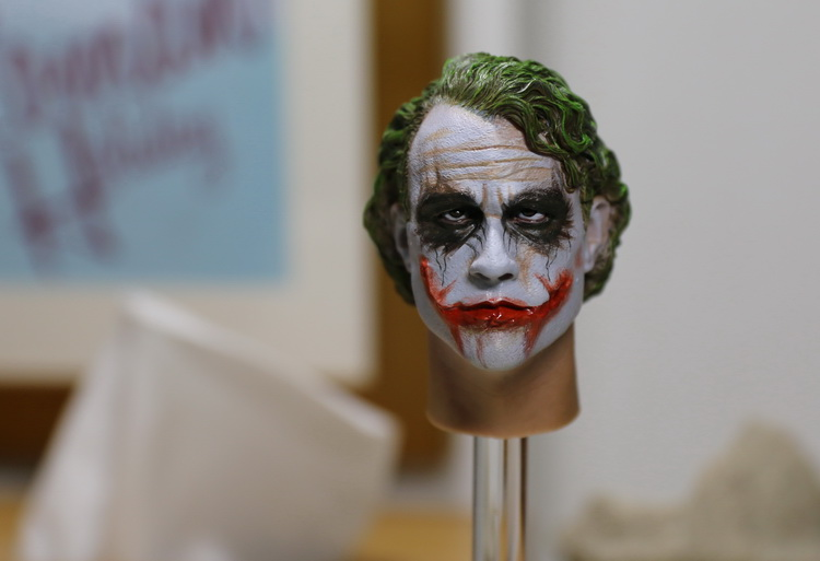 1/6th figure Accessory Batman joker headsculpt Heath Ledger head shape for 12 Action figure doll ,Not included body and clothes 1 6 male figure accessories batman joker heath ledger suit for 12 action figure doll not include body head weapon and other