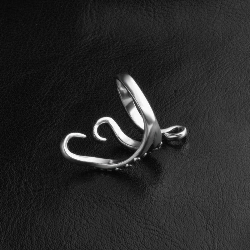 black-titanium-octopus-ring-for-men-and-women-2