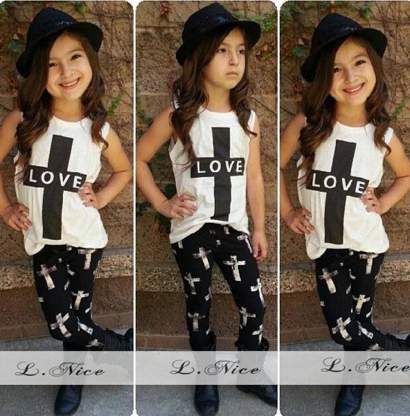00e4a7bf1 Niños amor Europa Estados Unidos Niñas Cruz chaleco + 2 negro Pantalones  traje Conjuntos de ropa negro blanco en Sistemas de la ropa de Mamá y bebé  en ...