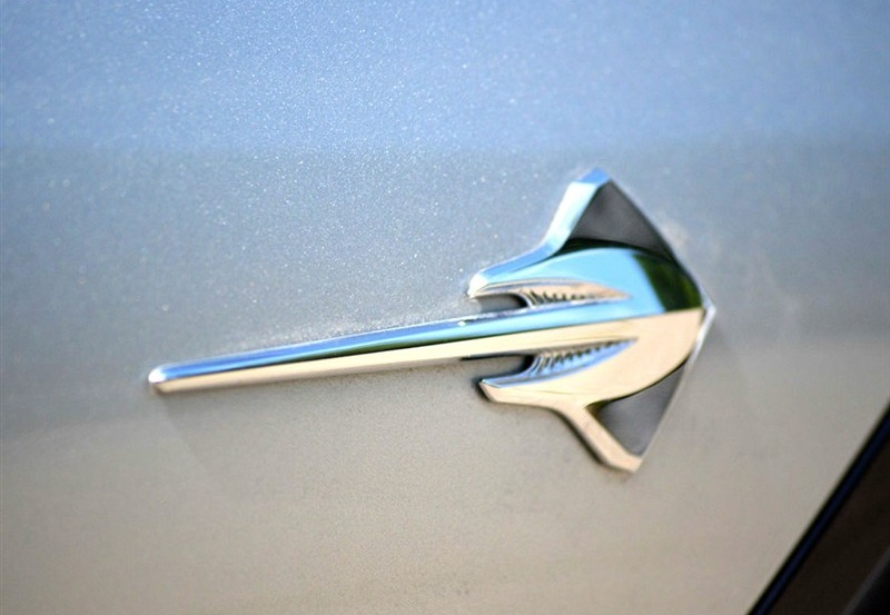 Rhino Tuning 2PC Corvette Stingray Emblem Auto Badge Sticker Car Styling Badge For Colorado Cobalt Silverado 093