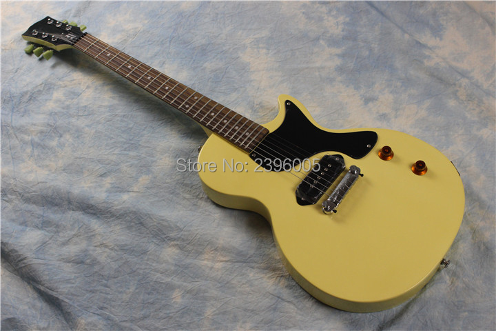 Hot sale cream yellow studio electric guitar,green headstock tuner keys,Chinese guitarHot sale cream yellow studio electric guitar,green headstock tuner keys,Chinese guitar