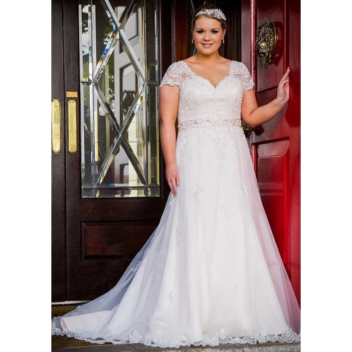 New Arrival Elegant Plus Size Wedding Dresses Sexy V Neck Cap Sleeves Backless Lace Appliques Formal