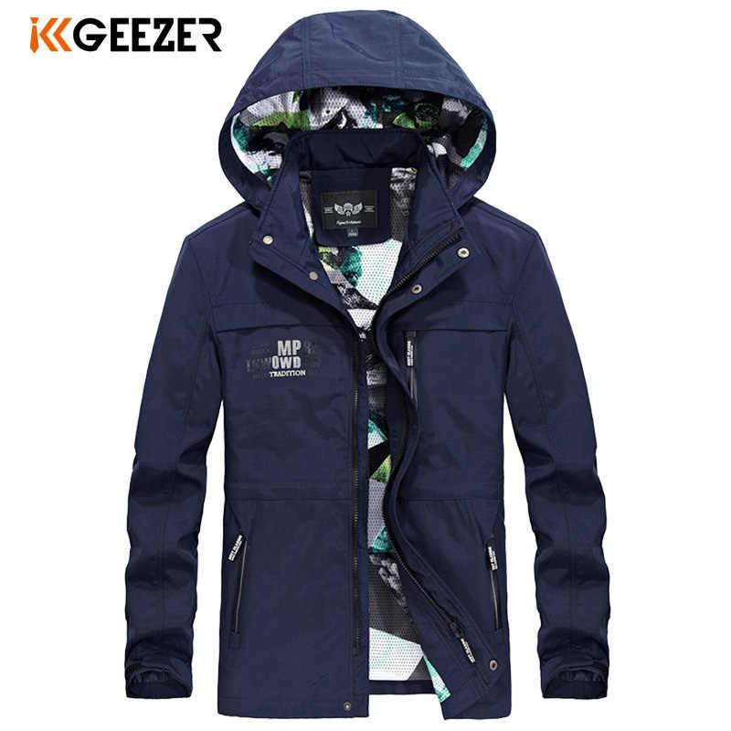 Męskie kurtki wiosna jesień wodoodporny płaszcz Bomber męska kurtka wiatrówka wojskowy Casual z kapturem moro marki wysokiej jakości