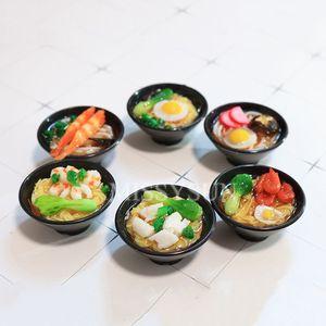 Image 3 - 2 個 1/6 スケールミニチュア日本シーフード麺ふり食品ドールハウスキッチンのためにブライスbjd人形のための子供